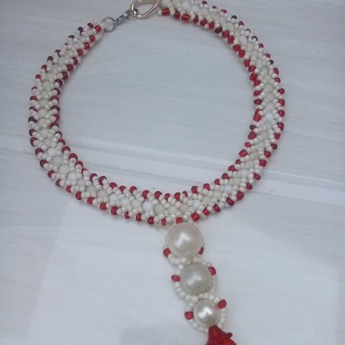 Noble Rihlalo White and red spiral